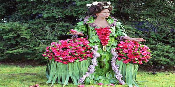 Sukienka z roślin